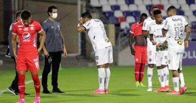Otro partido de Copa Libertadores fue interrumpido varias veces por los gases lacrimógenos